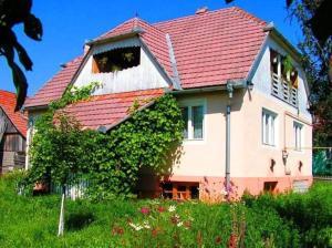 Onodilak Vendégház - Hotel - Bîrzava