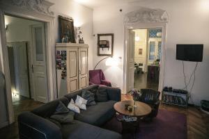 Baroque Hostel & Coworking