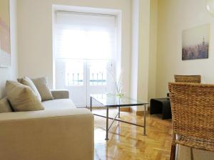 Almaden Apartment, Мадрид