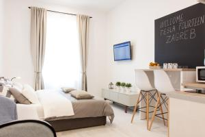 Tesla Boutique Apartments & Rooms