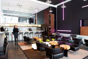 Le Germain Hotel Toronto Maple Leaf Square (6 of 31)