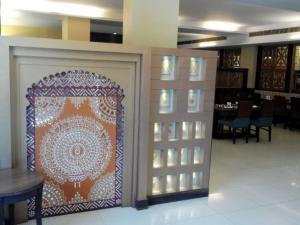 . Hotel The Shiv Regency