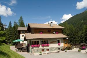 Hostels und Jugendherbergen - Hotel Baita Sciatori