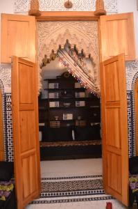 Riad Sabria, Riady  Sale - big - 36