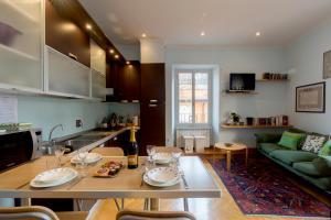 Holidays Banchi Vecchi Apartment - abcRoma.com