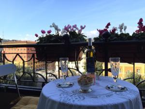Donna Ilaria - Vatican area - abcRoma.com