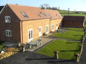 Lower Berrow Farm Cottages - Grafton Flyford