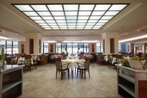 Hotel Lilia, Отели  Золотые Пески - big - 21