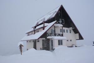 Хостел Снежный Дом, Гудаури