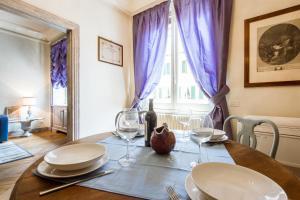 Santi Apostoli Blue Apartment