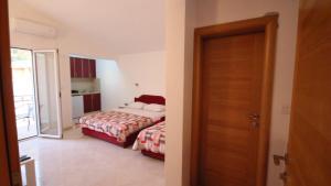 Apartments Percobic, Apartmanok  Sutomore - big - 22