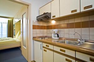 Appartmenthaus Thermenhof, Apartmanhotelek  Bad Füssing - big - 8