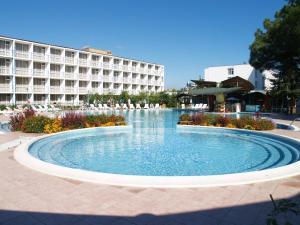 Курортный отель Balaton, Солнечный Берег