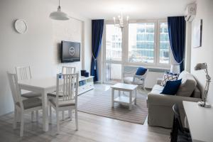 Roommate Apartments Nowogrodzka - Warsaw