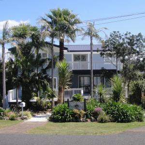 Kiwi House Waiheke, Bed & Breakfast  Oneroa - big - 1
