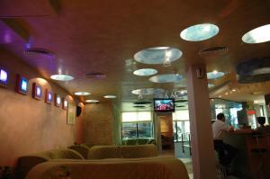 Hotel Divesta, Отели  Варна - big - 39