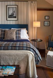 Abbey's Lantern Hill Inn - Accommodation - Ledyard Center