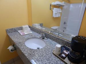 Sunrise Inn - Brownsville, Motels  Brownsville - big - 16