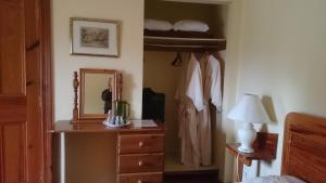 Grove Wellness Centre B&B, Bed and Breakfasts  Shanballymore - big - 3