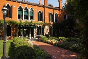 Pensione Accademia - Villa Maravege (35 of 63)