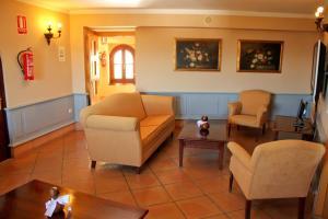 TUGASA Hotel Castillo de Castellar, Hotels  Castellar de la Frontera - big - 17