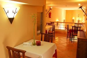 TUGASA Hotel Castillo de Castellar, Hotels  Castellar de la Frontera - big - 41