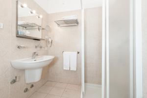 Club Hotel e Residence La Vela, Szállodák  Nago-Torbole - big - 34