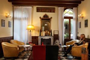 Pensione Accademia - Villa Maravege (8 of 63)