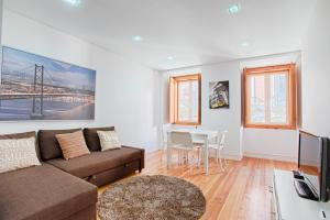 BmyGuest - Principe Real terrace Apartment, 1200-102 Lissabon