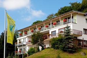 Waldhotel Wiesemann und Appartmenthaus Seeschwalbe am Edersee - Bringhausen