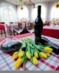 Guesthouse Tulipan, Guest houses  Lesce - big - 29