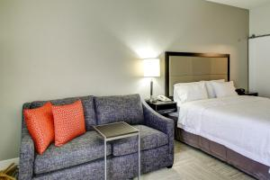 Hampton Inn & Suites Orlando-East UCF, Hotely  Orlando - big - 17