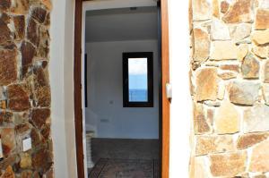 Beach Villa Pantheon, Vily  Pomos - big - 57
