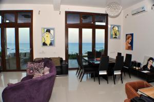 Beach Villa Pantheon, Vily  Pomos - big - 61