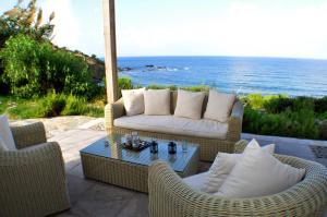 Beach Villa Pantheon, Vily  Pomos - big - 75