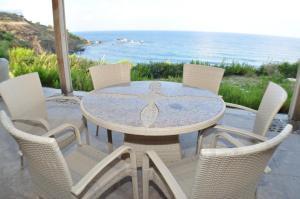 Beach Villa Pantheon, Vily  Pomos - big - 76