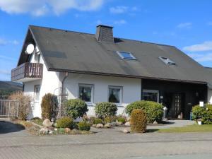 4 Sterne Ferienwohnung Haus Emde - Altenfeld