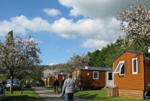 Location gîte, chambres d'hotes Camping des Rochers des Parcs dans le département Calvados 14