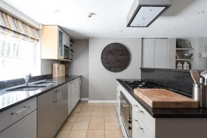 onefinestay - South Kensington private homes III, Апартаменты  Лондон - big - 64