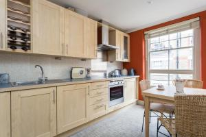 onefinestay - South Kensington private homes III, Апартаменты  Лондон - big - 58