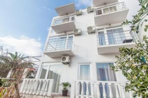 Rooms and Apartments Milana