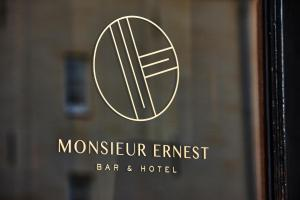 Monsieur Ernest (1 of 42)