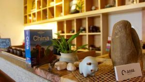 Zen Tea House Seven Stars Park, Bed & Breakfast  Guilin - big - 77