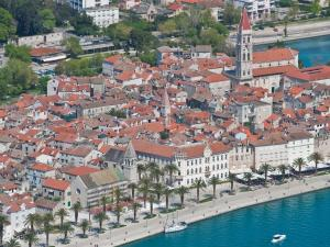 Apartment & Room Ursa, Ferienwohnungen  Trogir - big - 54