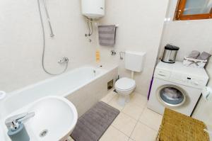 Apartment Ivona, Apartmanok  Trogir - big - 28