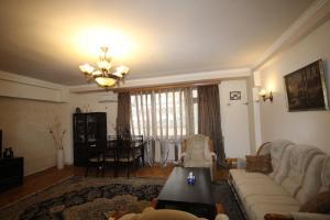 Sayat Nova Apartment and Tours, Apartmanok  Jereván - big - 13