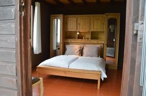 B&B Las Trinquades, Bed and breakfasts  Boussenac - big - 23