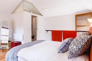 Vera - Beyond a Room Private Apartments, Apartmanok  Melbourne - big - 22