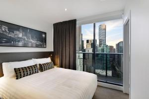Experience Bella Hotel Apartments - Melbourne