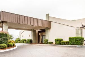 Executive Inn and Suites - Brundidge